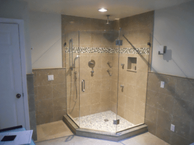 Frameless Neo Angle Shower Enclosure With Center Door 2 400x300